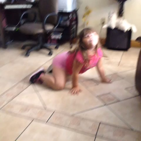 jessis post on Vine - Vine by jessi bieber - booty me down 😭😂