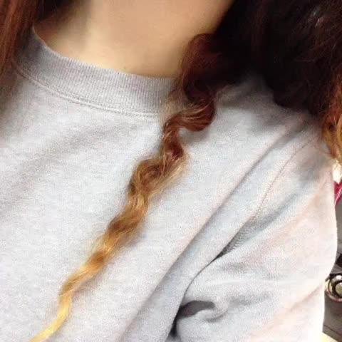 """""""Pourquoi tu peignes pas tes cheveux ? """""""