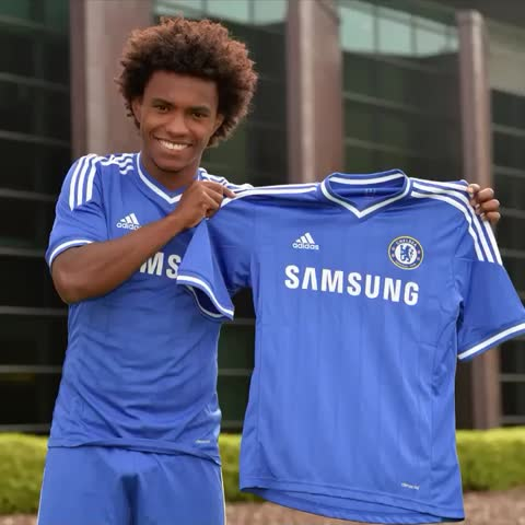 Vine by Chelsea FC - On this day in 2013, Willian became a Blue! 👌