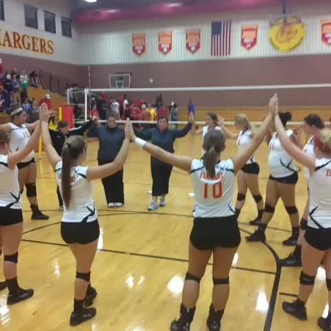 .@memorial_sports volleyball takes another step forward w/ NLC win tonight. Video feature on Chargers coming soon to TheFanVSN.com - The Fan VSNs post on Vine