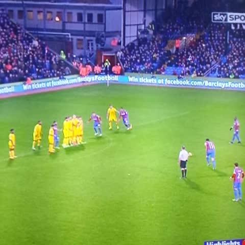 Palace 3-1 Liverpool Stunning free kick from Jedinak - VINEs post on Vine
