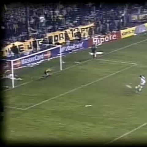 Vine by BocaaaBocaaa - ##UnDiaComoHoy hace 15 años Boca campeón de Copa Libertadores x 4ta vez vs Cruz Azul x penales en La Bombonera