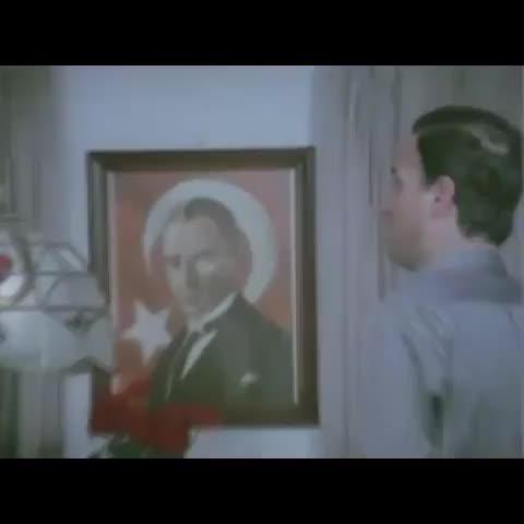 """Vine Trends post on Vine - Vine by Vine Trend - """"Atatürk! Dünyanın en büyük adamı, selam verecekseniz ona verin.."""""""