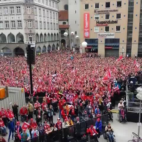 Vine by FC Bayern München - Los geht die Meisterfeier! #Berni, DJ Fleischi und die Fans geben Vollgas! #MiaSanMeister