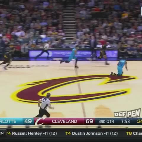 1e5ee85ecbe7 Courtney Lee Flipped The Script LeBron With This Chase-Down Block
