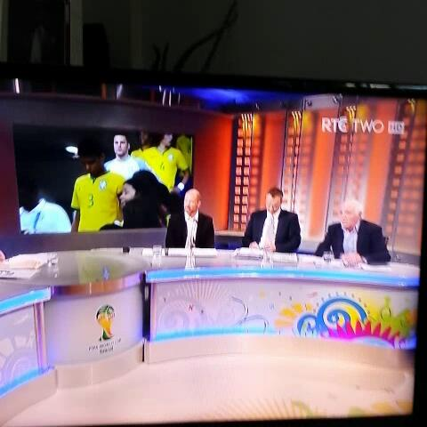 """Vine by Andy McGeady - """"fuckin dreading it""""  Eamon Dunphy lets it all hang out..."""