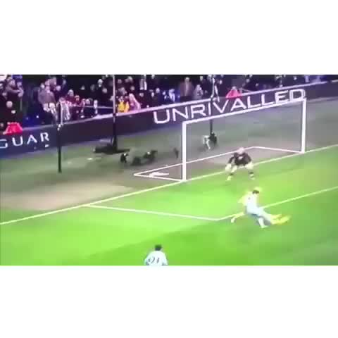 Sporting Dailys post on Vine - Only Balotelli would do this 😂 - Sporting Dailys post on Vine
