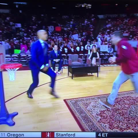 Vine by SoonerNationVines - Baker Mayfield dunks and dances on Gameday. #Sooners