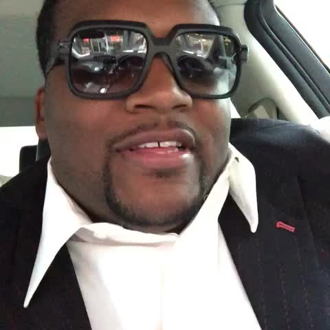 Vine by SPICEADAMS - How you laugh when your outfit is on point.....