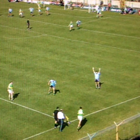 Vine by RTE Archives - Maurice Fitzgerald wonder score. #GAA Kerry v Dublin 2001 more www.rte.ie/archives