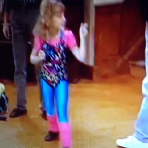 Nicholas Rices post on Vine - Vine by Nicholas Rice - Stephanie Tanner shows everyone that she is a Boss Ass Bitch 😂