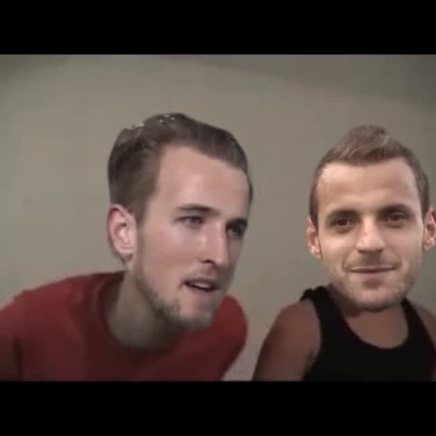Vine by xM20x - Scenes inside the spurs changing room! #THFC #wembley