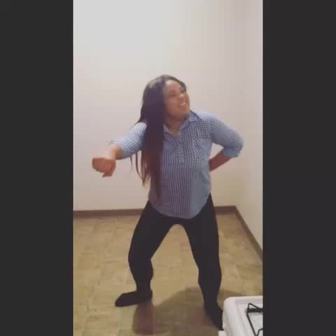 Trying to hit the #whipit when U on - Vine by SHAAARLETTEMZ - Trying to hit the #whipit when U on