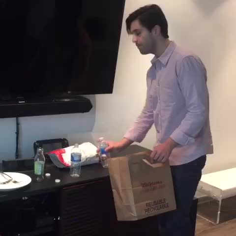 Vine by Curtis - When your friend asks you for help ????????Josh Peck