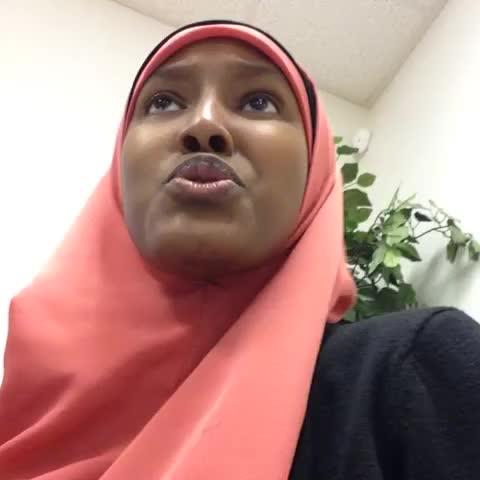 Vine by Sadia Arabia (thesadia) - When somebody keeps staring at me (inner somali unleashed) #SomaliVines #muslimvines
