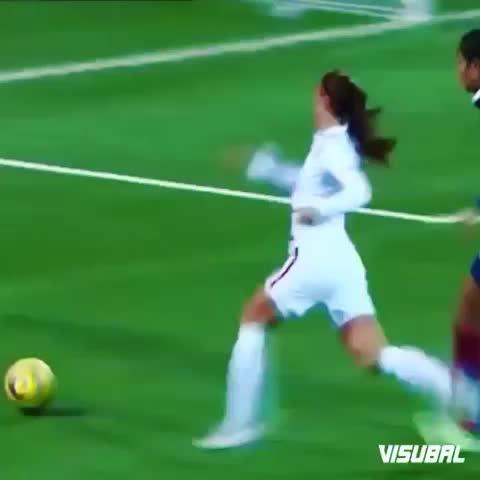 Vine by Amazing Soccer Goals™ - Alex Morgan nutmeg????