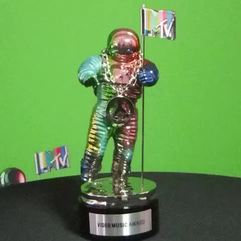 Vine by MTV - The #vmas are going down tonight! 9/8c ???? who are you excited to see perform!?