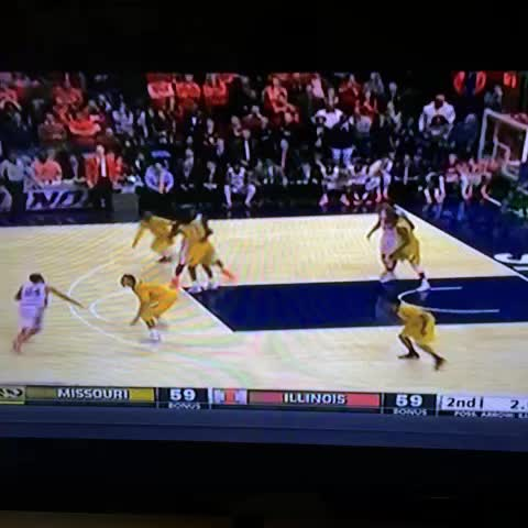 Vine by Mihir Bhagat - Illinois Rayvonte Rice hits a buzzer beater to beat #Mizzou in the Braggin Rights Game