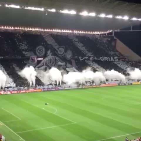 O bagulho foi louco demais! #Mosaico #Fiel #CORxFLU #Corinthians105anos - Vine by Corinthians - O bagulho foi louco demais! #Mosaico #Fiel #CORxFLU #Corinthians105anos