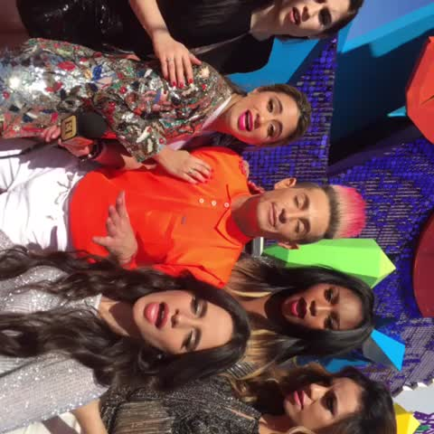 Vine by Frankie James Grande - 😂 WHAT R THE WORDS!? WHY R WE SIDEWAYS!? #sledgehammer Fifth Harmony, camEEla cabeYo, Lauren Jauregui, AllyBrooke Hernandez, Normani Kordei