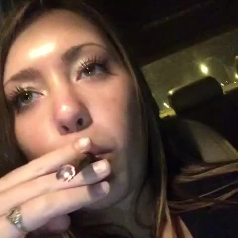 MassRootss post on Vine - Vine by MassRoots - Your first time getting high be like😂 repost from kaitlyn jacobs #massroots