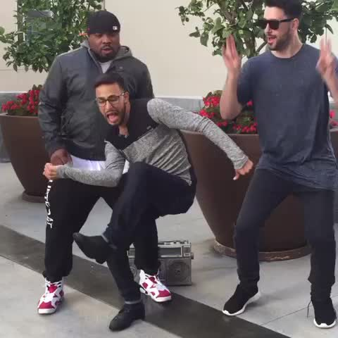 Vine by Anwar Jibawi - When you knock the Whip out of someone.. w/ Arantza, Pagekennedy, Piques