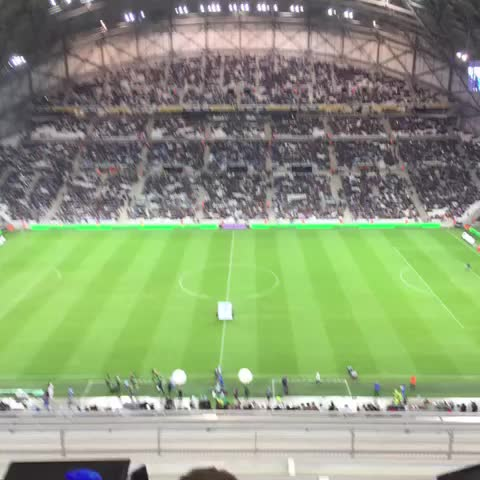 Cet hymne on sen lassera jamais ! #OMFCN - Olympique Marseilles post on Vine