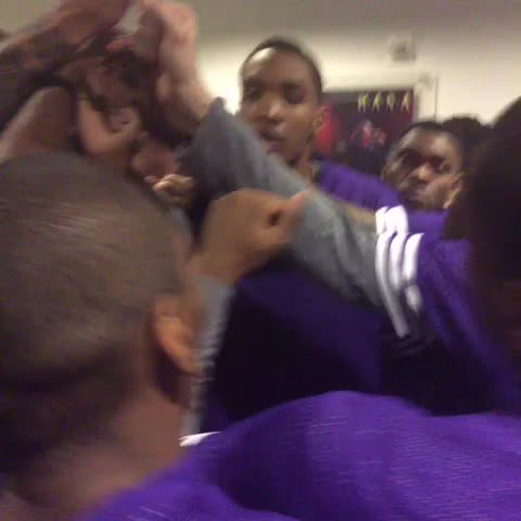 Vine by Lakers - Pregame huddle with Metta
