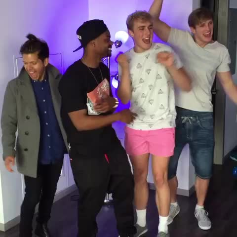 Vine by KingBach - When youre taking a picture but the beat drops. ???????? w/ Rudy Mancuso, Logan Paul, Jake Paul, #KingBach