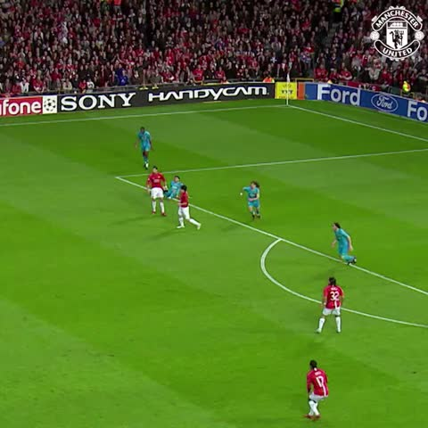 Vine by Manchester United - We could watch this over and over: Scholesys superb strike vs Barca was seven years ago today.