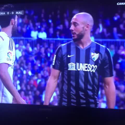 Vine by @antoniochavez94 - El vacile de #Amrabat a #arbeloa en el partido del #realmadrid vs #malagacf en el estadio #santiagobernabeu