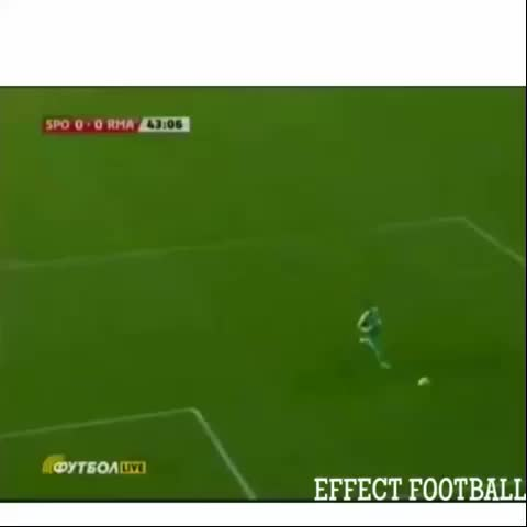 Vine by Effect Football {1k} - Fans throw bottle on Casillas and Amazing reaction???????? TrickyArmy #football