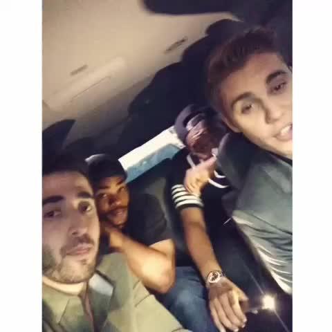 Vine by Justin Bieber Updates - sammy: Um Sammy - via shots #JustinBieberUpdates