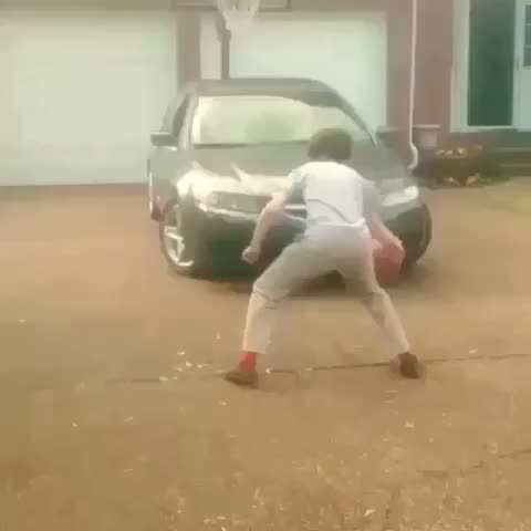 Vine by Basketballvines - DUDE CROSSED A CAR😩