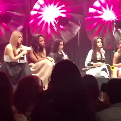Vine by fifth harmony♡ - camila and lauren being cute af at the philly show