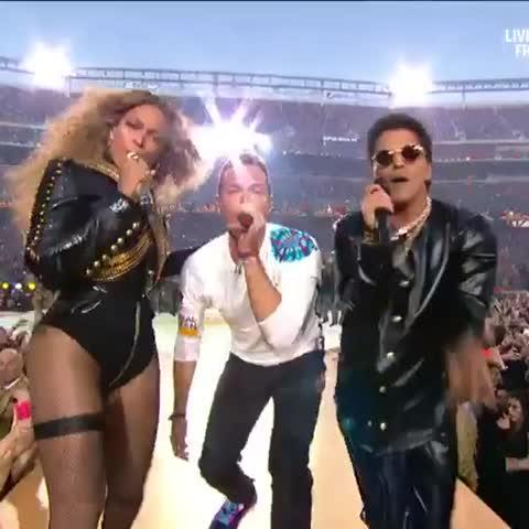 Vine by 7 News Sydney - .@SuperBowl half time show.  @Beyonce @coldplay @BrunoMars 7Live.com.au #SB50