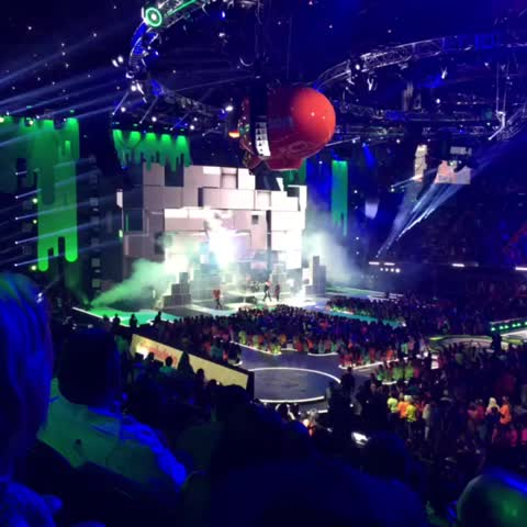 Vine by Grant Landis - 5SOS at the #KCAs