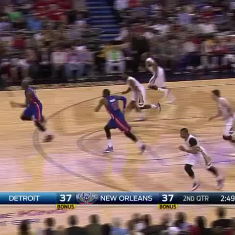 Vine by New Orleans Pelicans - Halftime highlight from who else but @AntDavis23! OOP!