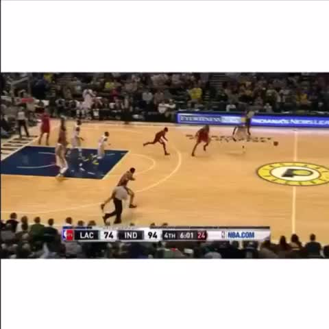 Vine by SuperDuperBez - Paul George with the 360 #PaulGeorge #Dunk #360 #NBA #KYLE #superduperkyle