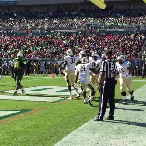 UCF Knightss post on Vine - FIRE THE CANNONS!! Perriman finds the end zone! 7-0. #TakeoverTampa #ChargeOn - UCF Knightss post on Vine