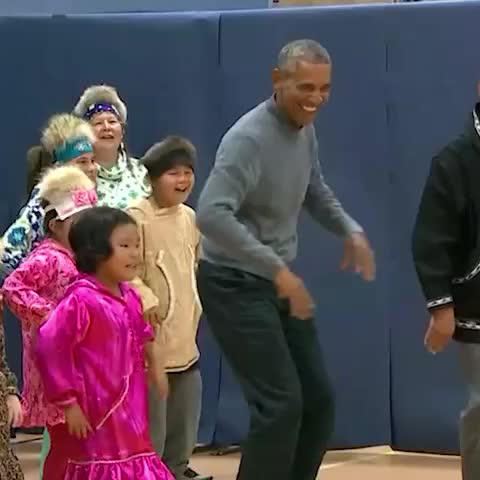 Vine by CNN Politics - President Obama busts a move with Alaskan middle schoolers. 👯🎶 #news #politics #cnn