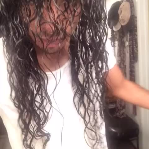 Watch Iamjeshuav S Vine Quot Howto Get Curly Hair Naturalcurls Quot