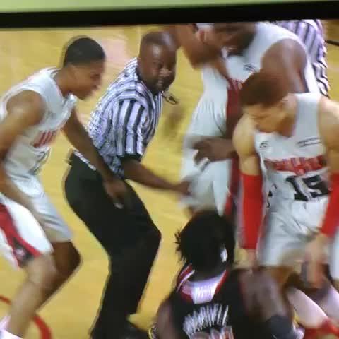 The Montrezl punch - Vine by Rob Dauster - The Montrezl punch