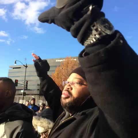 4 1/2 minutes of silence for Mike Brown. #walmartstrikers #dcferguson #dc - Working Americas post on Vine