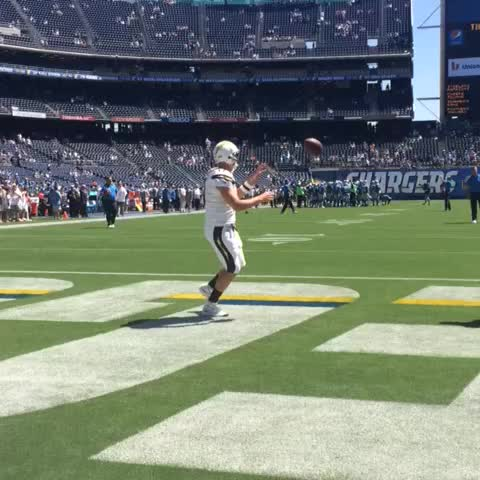 Watch San Diego Chargers S Vine Quot Rivers Looking Good In
