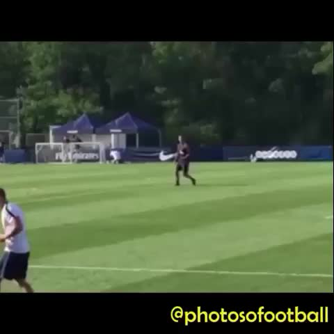 You cant assist Zlatan. Zlatan assists himself. #football #footballhit #footballvine #footballvines #footballskills #footballhighlights - Vine by Photosofootball - You cant assist Zlatan. Zlatan assists himself. #football #footballhit #footballvine #footballvines #footballskills #footballhighlights