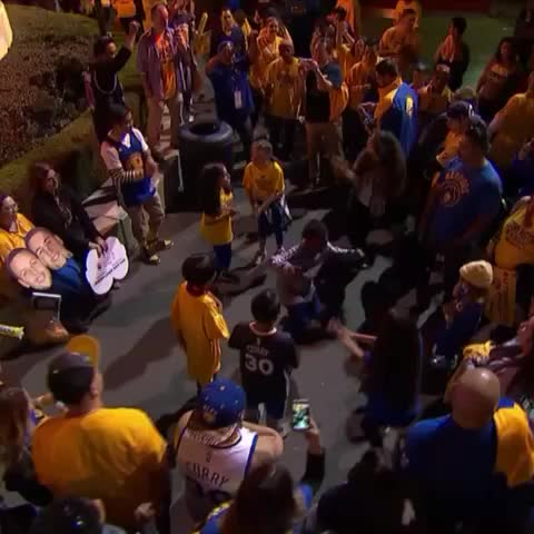 Vine by SportsCenter - Its a dance party outside of Oracle Arena after Game 2.