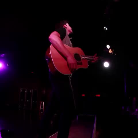 Vine by Shawn Mendes - New #ShawnTourVlog whole thing up on my insta 😊