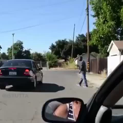 Vine by iSTUTTA - Prank goes wrong in Oakland and get shot at #Oakland part 1/2   DIceroll SMeather the HOODstoner