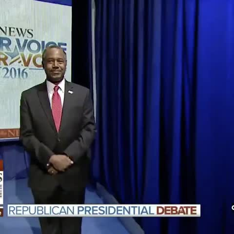 Vine by Mashable News - Ben Carson isnt quite sure when to take the stage #GOPdebate
